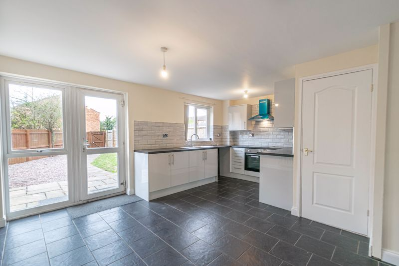 3 bed house for sale in Barnwood Close 4