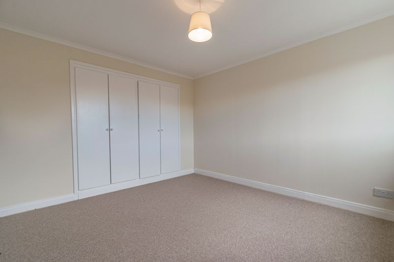 3 bed house for sale in Barnwood Close 8