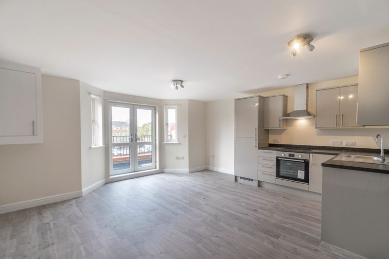 1 bed flat for sale in Hewell Road  - Property Image 4