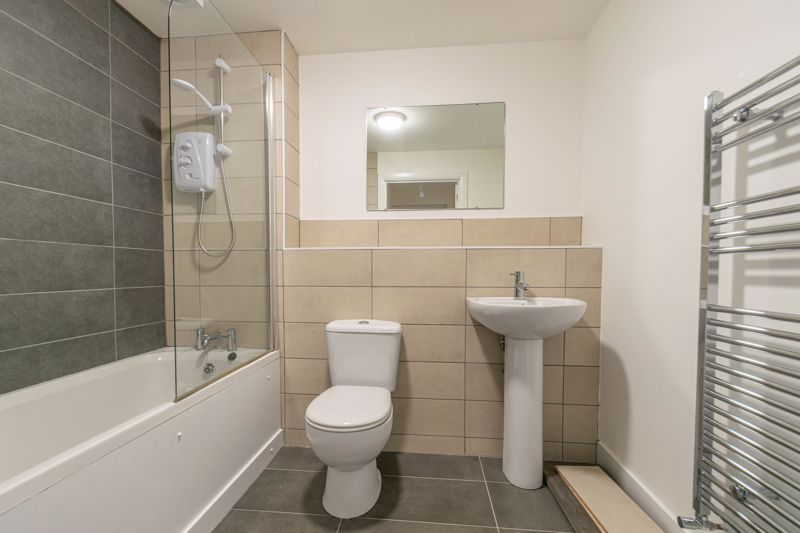 1 bed flat for sale in Hewell Road 9