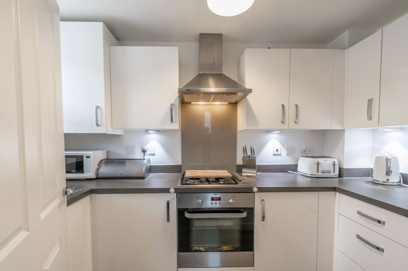 2 bed house for sale in Ivyleaf Close 2
