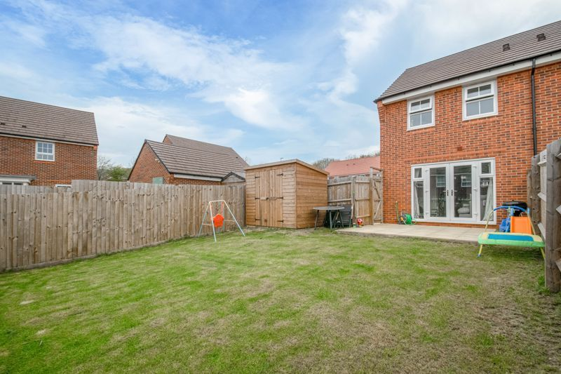 2 bed house for sale in Ivyleaf Close 12