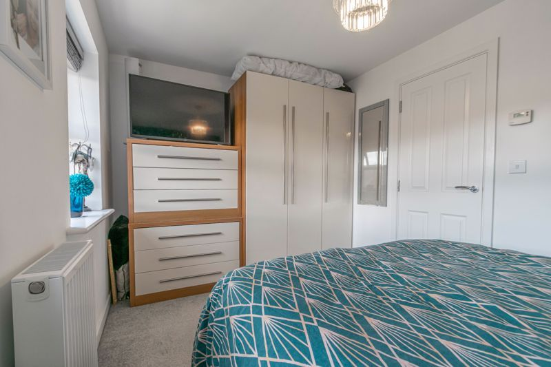 2 bed house for sale in Ivyleaf Close 16