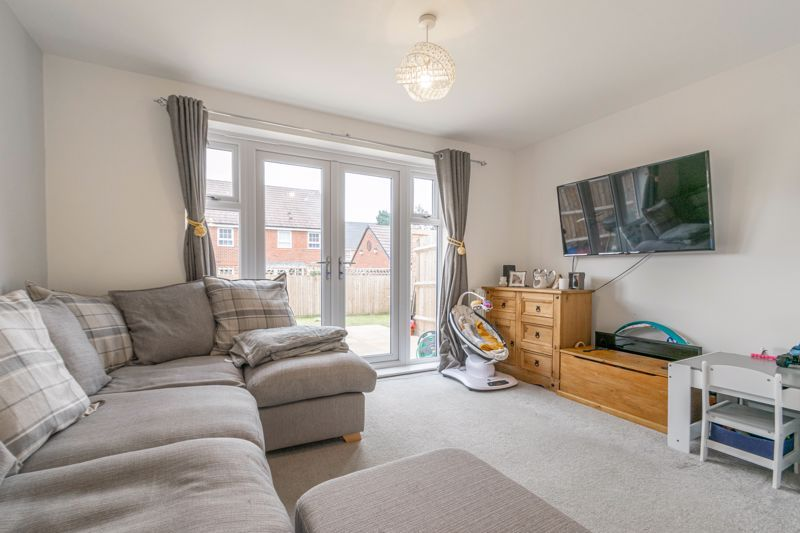 2 bed house for sale in Ivyleaf Close 4