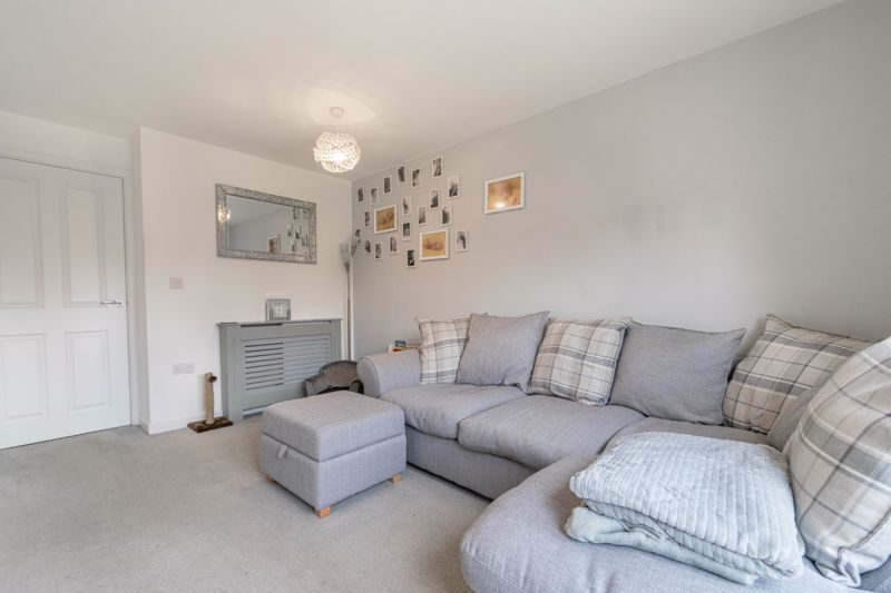 2 bed house for sale in Ivyleaf Close 5