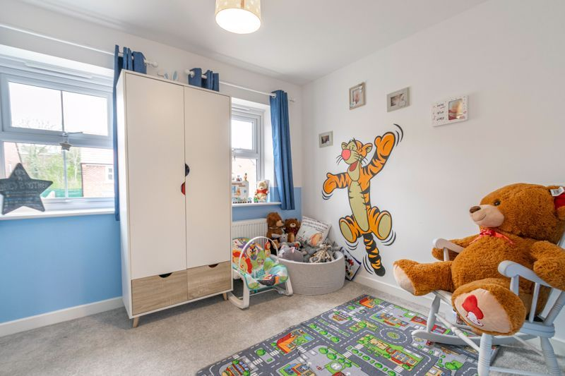 2 bed house for sale in Ivyleaf Close 9