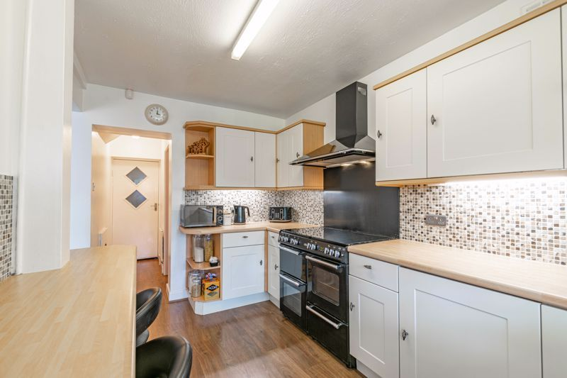 5 bed house for sale in Spies Lane  - Property Image 4