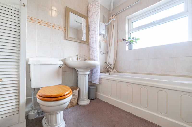 5 bed house for sale in Spies Lane 10