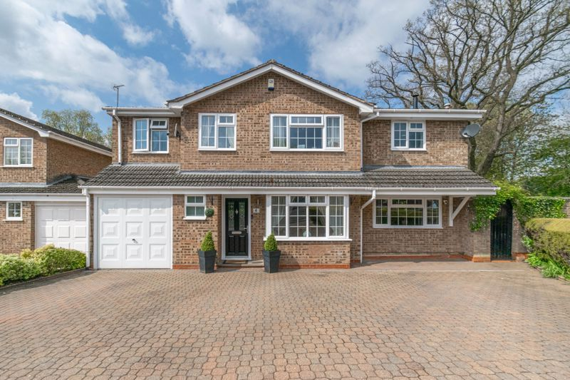 6 bed house for sale in Stableford Close 1