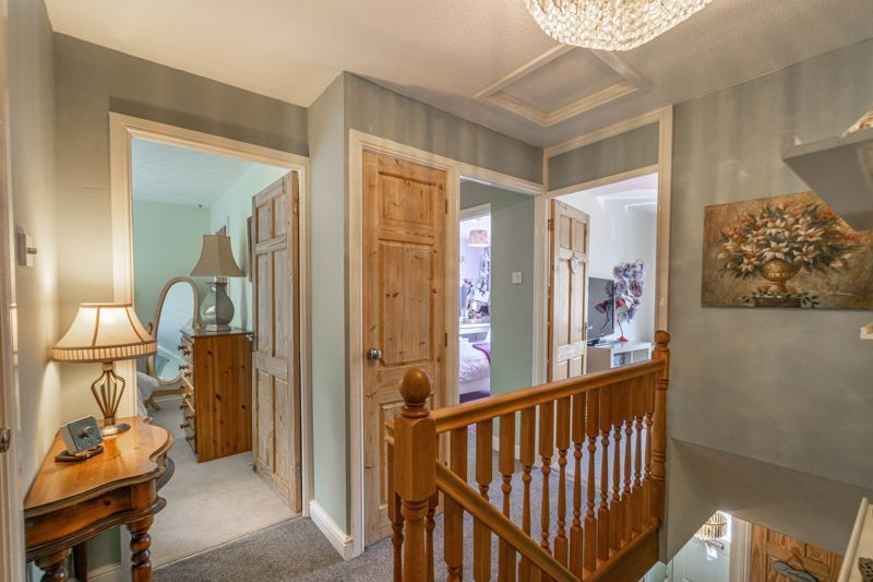 6 bed house for sale in Stableford Close 11