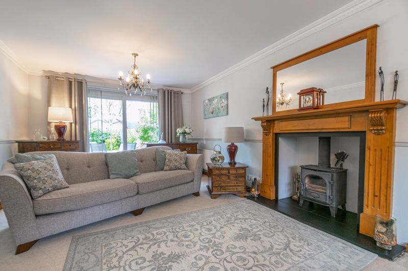6 bed house for sale in Stableford Close 15