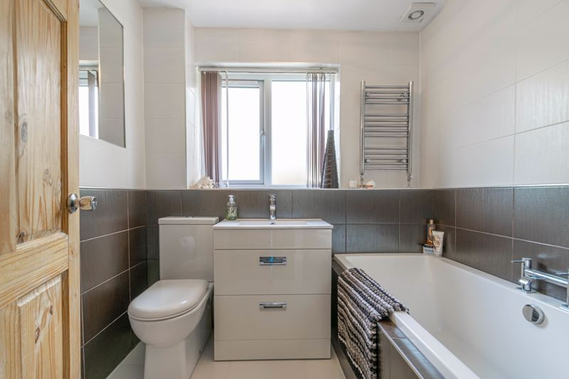 6 bed house for sale in Stableford Close  - Property Image 10
