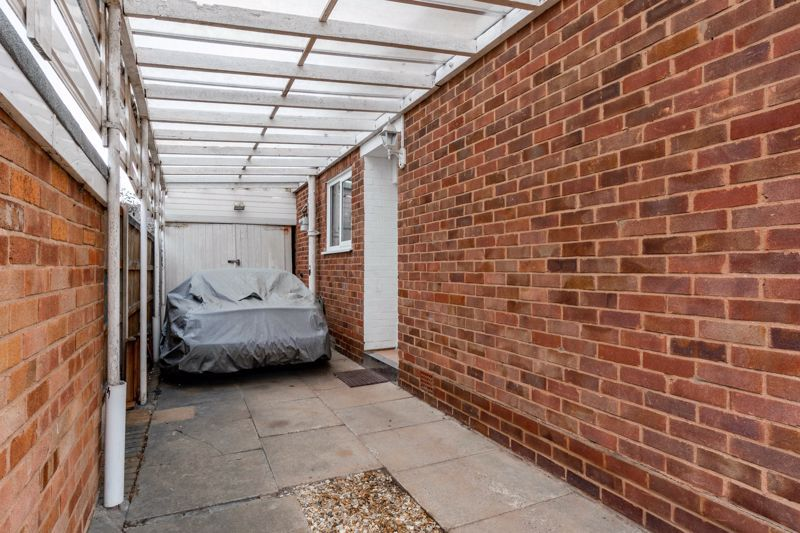 2 bed bungalow for sale in Cedar Close 12