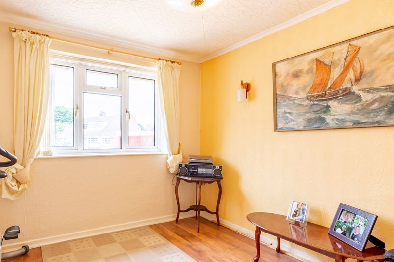 2 bed bungalow for sale in Cedar Close 6
