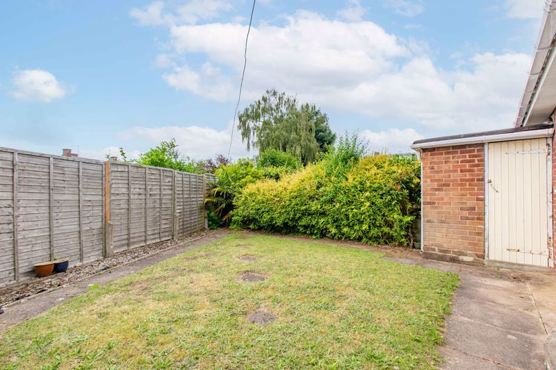 2 bed bungalow for sale in Cedar Close  - Property Image 10