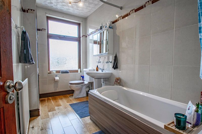 3 bed house for sale in Lorne Street 11