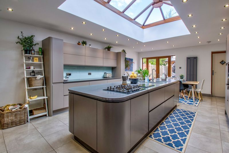 3 bed house for sale in Lorne Street 3