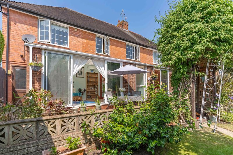 4 bed house for sale in Churchfields Close 13