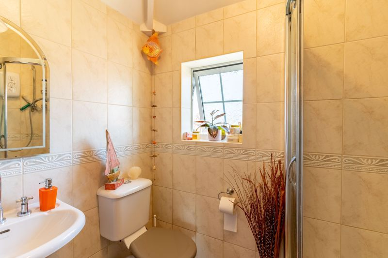 4 bed house for sale in Churchfields Close 15