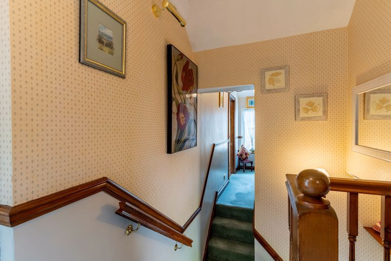 4 bed house for sale in Churchfields Close 16