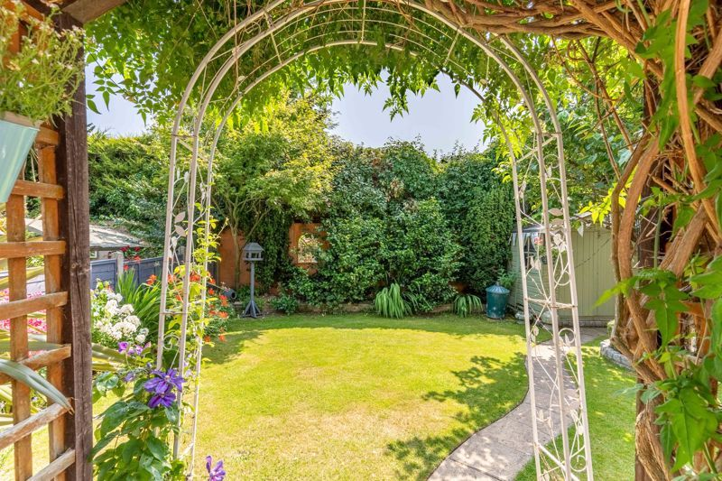 4 bed house for sale in Churchfields Close 17