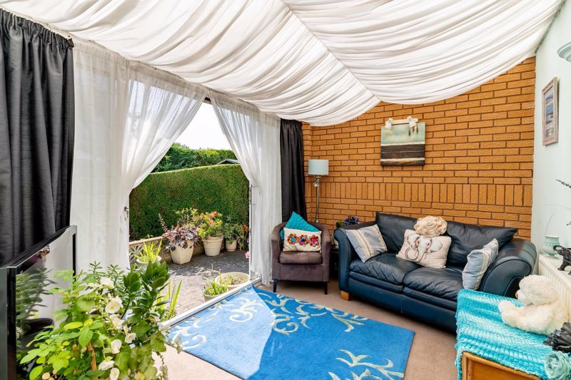 4 bed house for sale in Churchfields Close 4