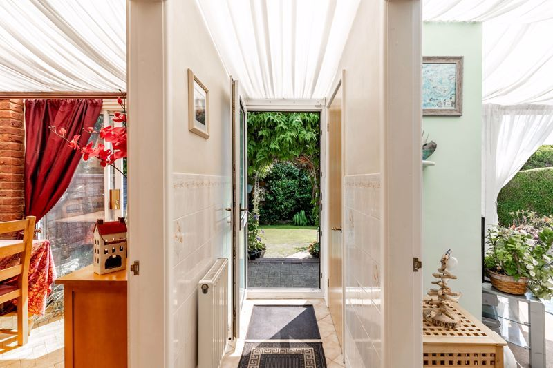 4 bed house for sale in Churchfields Close 6