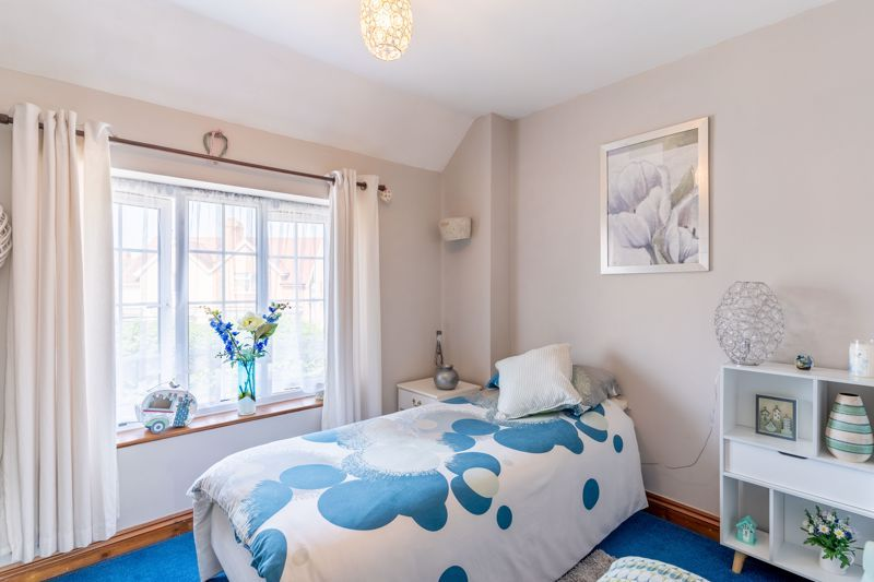 4 bed house for sale in Churchfields Close 9