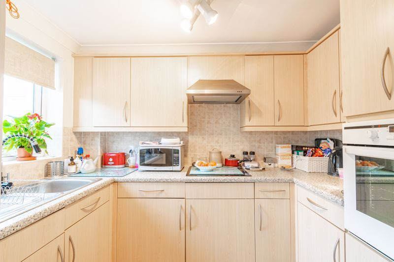 1 bed flat for sale in Drury Lane 8