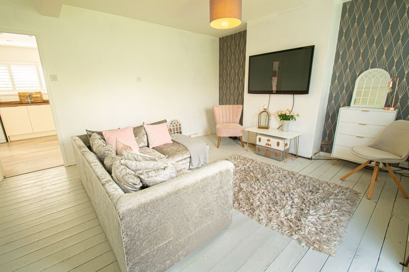 3 bed house for sale in Carters Lane 2