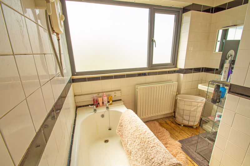 3 bed house for sale in Carters Lane 11