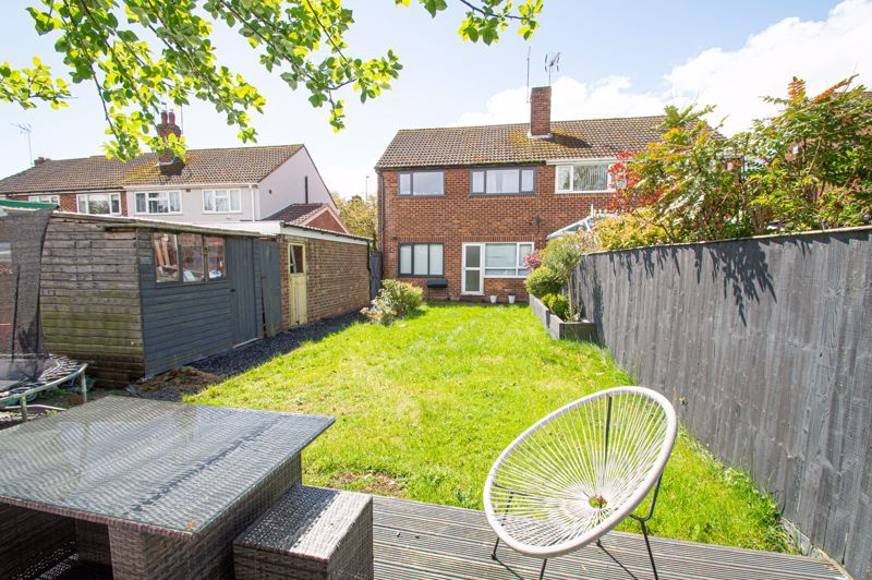 3 bed house for sale in Carters Lane 12