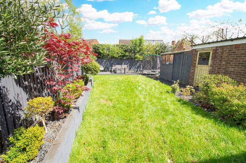 3 bed house for sale in Carters Lane 13