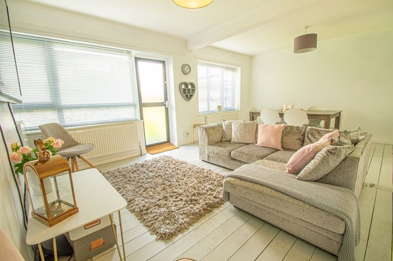 3 bed house for sale in Carters Lane 4