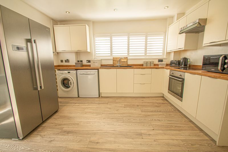 3 bed house for sale in Carters Lane  - Property Image 5