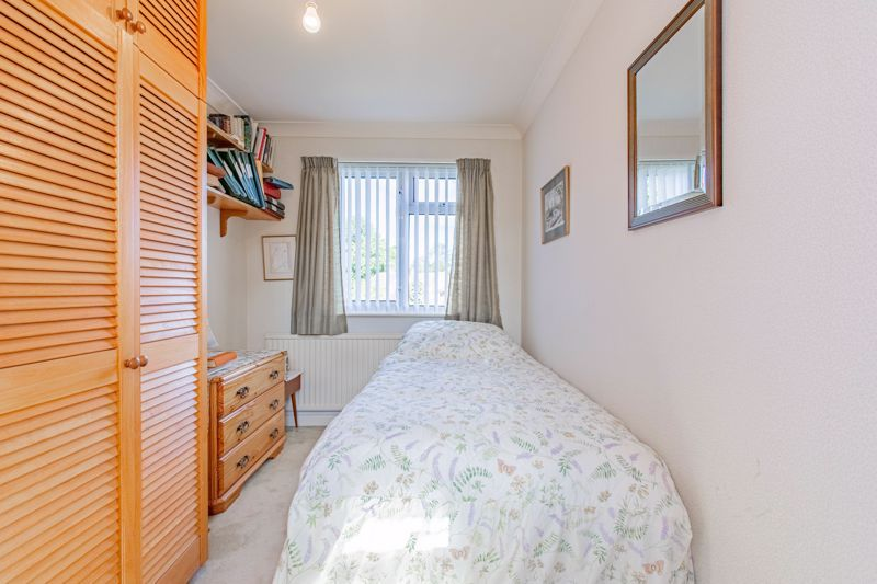 4 bed house for sale in Castle Grove 11
