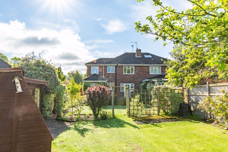 4 bed house for sale in Castle Grove 14
