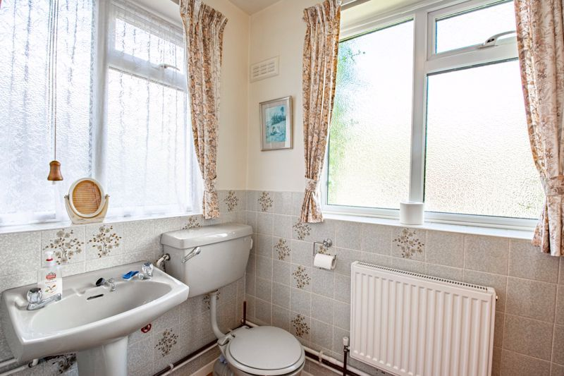 4 bed house for sale in Castle Grove 19