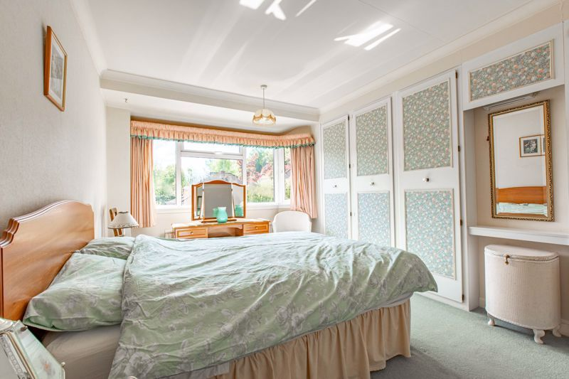 4 bed house for sale in Castle Grove 8