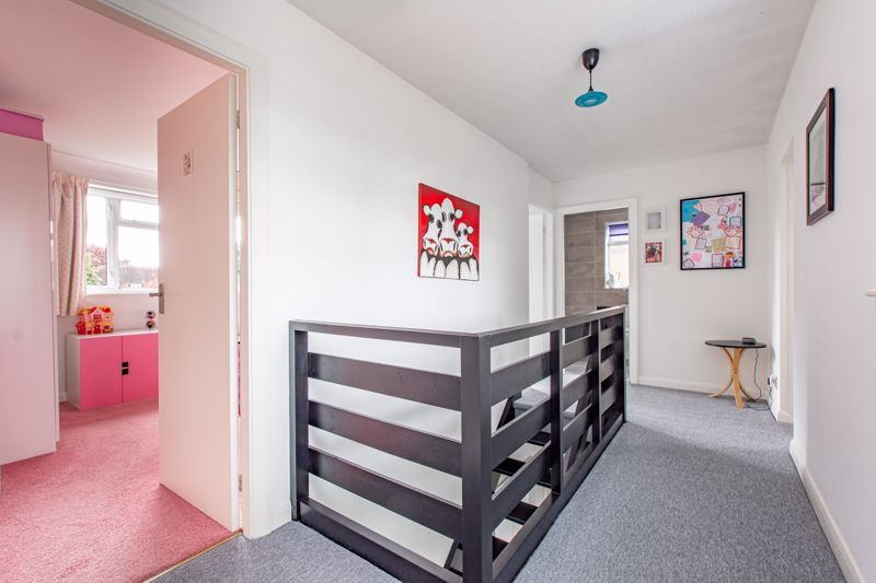 4 bed house for sale in Cochrane Close 6