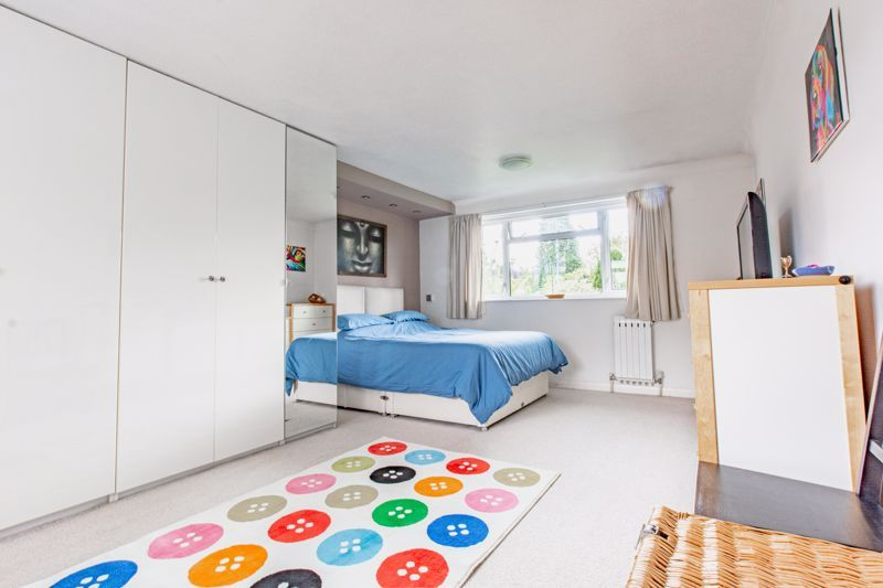 4 bed house for sale in Cochrane Close 7