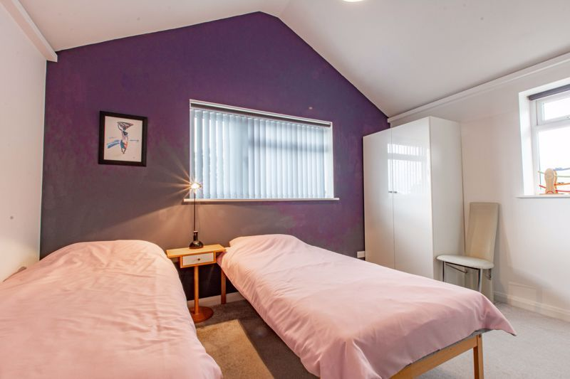4 bed house for sale in Cochrane Close 8