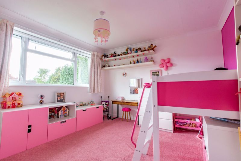4 bed house for sale in Cochrane Close 10