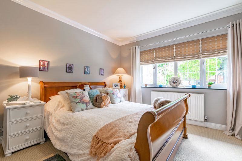 5 bed house for sale in Parkland Avenue  - Property Image 15