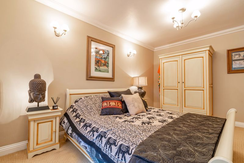 5 bed house for sale in Parkland Avenue  - Property Image 17