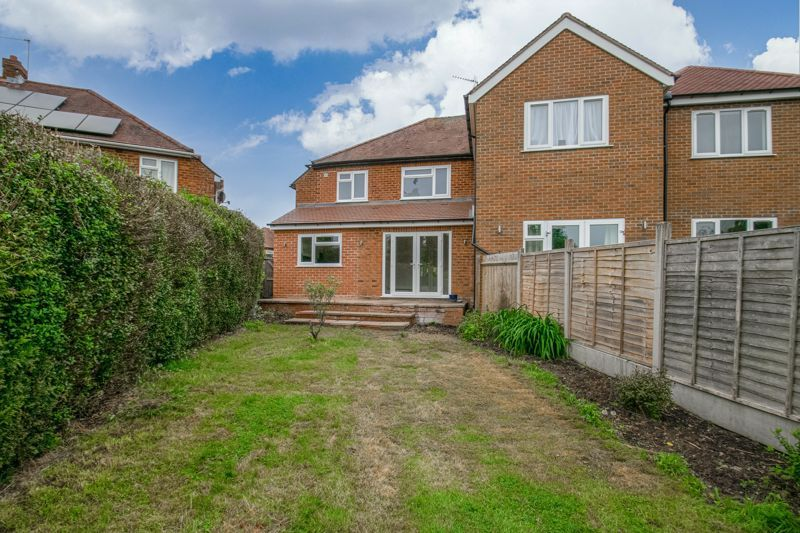 3 bed house for sale in Meadowhill Crescent 15
