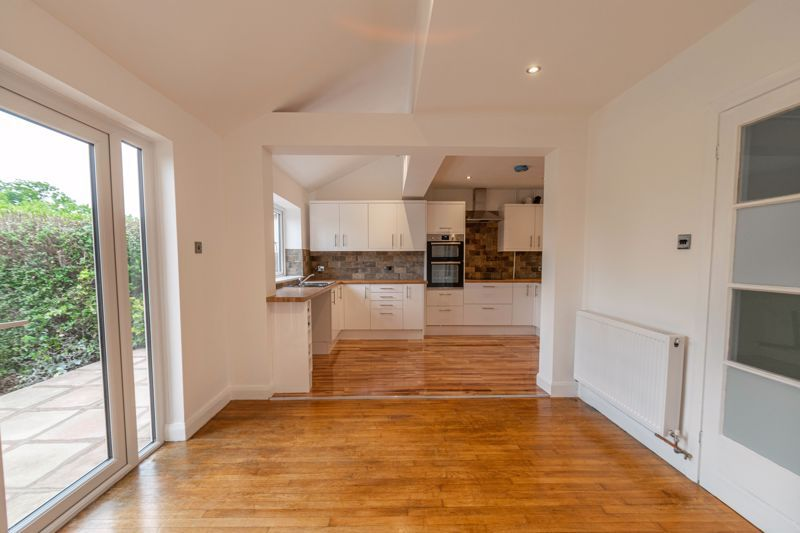 3 bed house for sale in Meadowhill Crescent 3