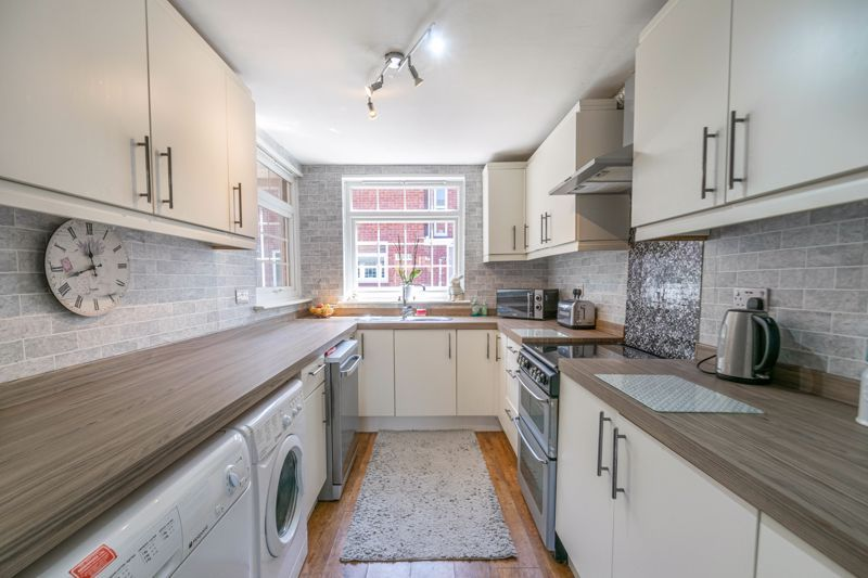 3 bed house for sale in Linton Close  - Property Image 2