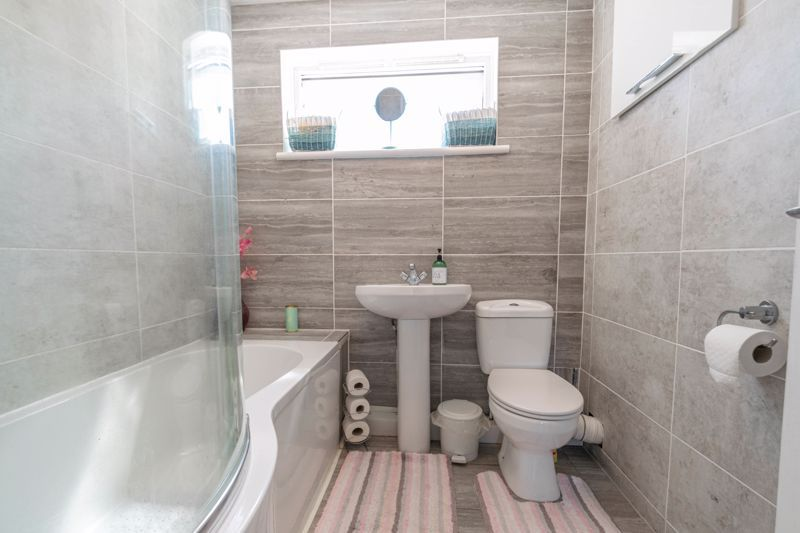 3 bed house for sale in Linton Close 12