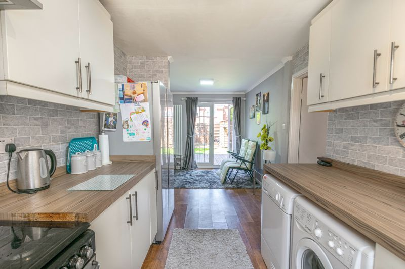 3 bed house for sale in Linton Close 3